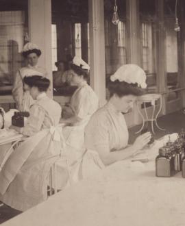 historical image of nurses